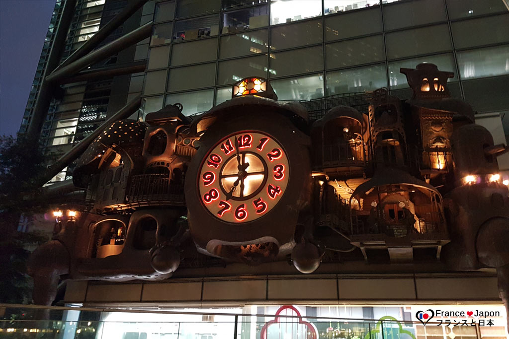 voyage japon tokyo shimbashi horloge geante animee de miyazaki studios ghibli
