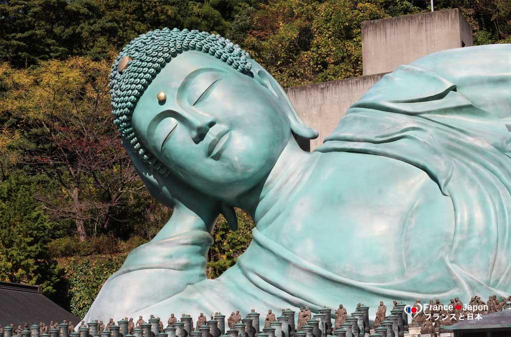 voyage japon kyushu fukuoka le bouddha geant couche du temple nanzoin